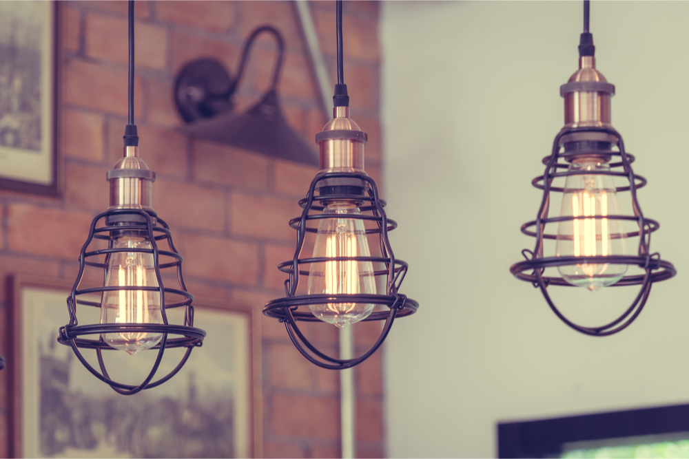 decoración con lámparas antiguas
